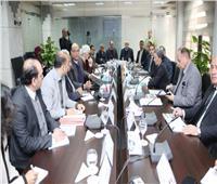 بحضور وزيرة البيئة.. محافظ أسيوط يستعرض برنامج إدارة المخلفات الصلبة