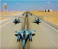 بالصور.. «المقاتلات» المصرية تحلق بـ«احترافية» فوق قاعدة برنيس العسكرية