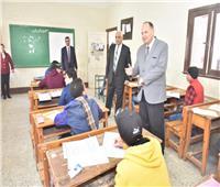 محافظ أسيوط يتفقد لجان امتحانات الشهادة الإعدادية