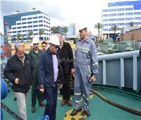 صور| لأول مرة.. مسابقة لاختيار أفضل قاطرة بحرية ولنش بميناء الإسكندرية