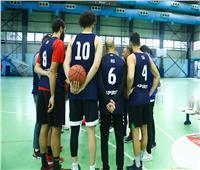 الخطيب يدعم فريق السلة ويعقد جلسة مع لاعبيه