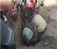 كسر خط الغاز بالدقهلية أثناء إصلاح ماسورة مياه والسيطرة على التسريب