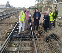 رئيس السكة الحديد يجري جولة مفاجئة بخط «القاهرة - الزقازيق»