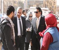 «الفقي» يتفقد منطقة الشهيد بسوهاج ويلتقي المواطنين في الشارع