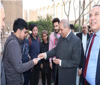 رئيس جامعة الأزهر يتفقد امتحانات الفصل الدراسي الأول