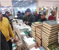 جناح الأزهر.. كتب بأقل من ١٠ جنيهات بمعرض القاهرة الدولي للكتاب