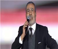 مدحت العدل يلقي قصيدة شعرية في حب مصر باحتفالية القبائل العربية