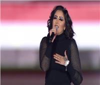 منار تشارك في حفل «مصرنا» بـ «ارمي حمولك عليا»