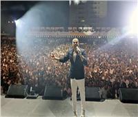 صور| عمرو دياب يشعل ليل دبي في أضخم حفل جماهيري بميديا سيتي