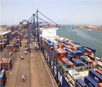 نشاط ملحوظ في حركة السفن والبضائع بميناء الإسكندرية