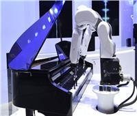 تعرف على أول روبوت يقدم حفلا موسيقيًا في دولة عربية
