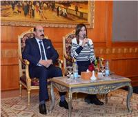 وزيرة الهجرة ومحافظ أسوان يعقدان لقاء مفتوحًا مع أبناء الجيل الثاني والثالث