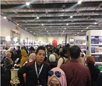 صور| في يومه الـ9.. توافد هائل من الأسر والشباب على معرض الكتاب