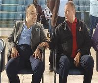 السفير المصري في السودان يؤازر الأهلي ويجتمع مع الخطيب