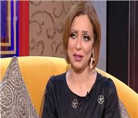 بالفيديو| ريم البارودي تؤدي مناسك العمرة