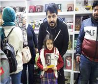صور| هيثم مازن يحتفل برواية «بنت عمري» مع جمهور معرض الكتاب