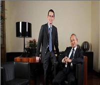 نجيب وسميح ساويرس يشاركان في جنازة خالد بشارة بكنيسة مارمرقس في مصر الجديدة