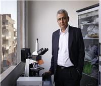 خاص| مكتشف «كورونا» يحذر: جيل جديد من الفيروس يهدد دولة عربية