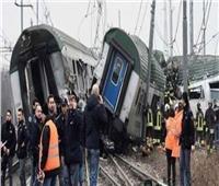 مصرع عاملين وإصابة 27 شخصا جراء خروج قطار عن مساره في إيطاليا