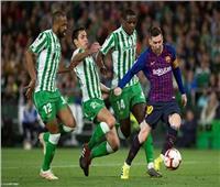 ميسي وجريزمان يقودان تشكيلة برشلونة أمام ريال بيتيس في الليجا
