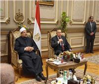 صور| نقيب الأشراف يرحب بضيوف مصر المشاركين بمسابقة القرآن الكريم