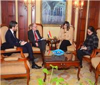وزيرة الهجرة تبحث استعدادات برنامج زيارة شباب قبارصة ويونانيين لمصر