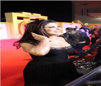 جومانا مراد تتألق بـ«الأسود» خلال مهرجان أسوان الدولي للمرأة