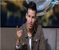 فيديو  الساحر عزام يبهر عمرو الليثي على الهواء