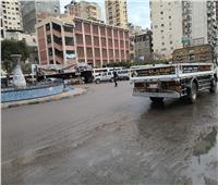 صور| أمطار متوسطة في الإسكندرية.. واستمرار حركة الملاحة البحرية