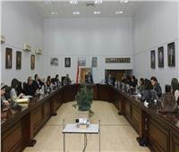 العناني يجتمع لعرض آخر مستجدات المتحف المصري بالتحرير