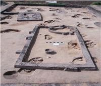 الكشف عن ٨٣ مقبرة بمنطقة آثار كوم الخلجان بمحافظة الدقهلية