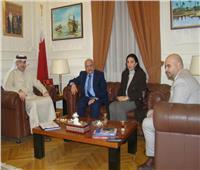 سفير البحرين بالقاهرة يستقبلرئيس قطاع الإعلام والاتصال بالجامعة العربية