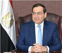 وزير البترول يشهد توقيع عقد مشروع إنتاج الألواح الخشبية من قش الأرز
