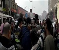 فيديو| أزمة مرورية «مفتعلة» بسبب محمد رمضان.. وغضب واستياء من المارة