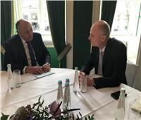 سامح شكري يلتقي وزير خارجية هولندا في بداية زيارته إلى ميونخ