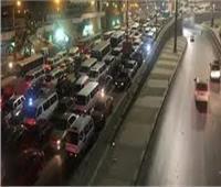 هبوط أرضى بمدينة كفر شكر يتسبب في شلل مروري وتزاحم السيارات