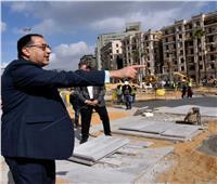 صور..«مدبولي» يؤكد ضرورة الالتزام بالتوقيتات الزمنية لتطوير القاهرة التاريخية