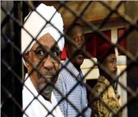 بعد قرار تسليمه للجنائية الدولية..البشير يدلي بأقواله أمام النيابة السودانية