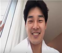 فيديو| «يوتيوبر» كوري يوثق أول عمرة له بعد إشهار إسلامه