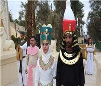 صور| أول زواج فرعوني في 2020 والكاهن يتوج العروسين