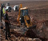 لليوم الثالث.. الاحتلال يجرف أراضٍ فلسطينية في مدينة نابلس