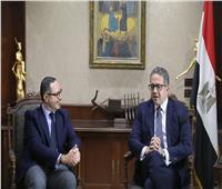 وزير السياحة والآثار يجتمع مع مسئولي CNN لمناقشة خطة الترويج