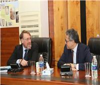 العناني يستكمل تجهيز متحف المنيا مع مدير عام الشؤون الثقافية الألماني
