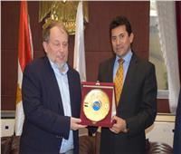 وزيرالشباب والرياضة يلتقي رئيس الاتحاد الدولي للرماية
