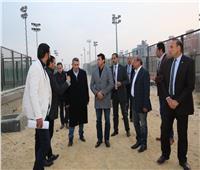 وزير الرياضة يتفقد سير العمل بالمدينة الرياضية بالأسمرات