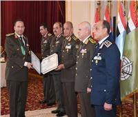 الفريق أول محمد زكى وزير الدفاع يكرم قادة القوات المسلحة المحالين للتقاعد 