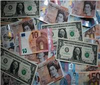 الإسترليني ينخفض مقابل الدولار الأمريكي واليورو