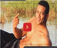 فيديوجراف| محمد رمضان أسطورة في «خلع القميص»