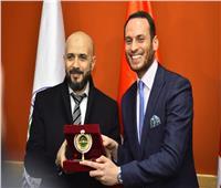 جامعة مصر للعلوم تستقبل وفدا بريطانيا لتفعيل فرع «لندن سكول للتجارة»