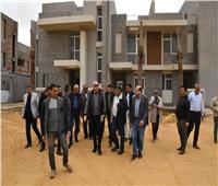 صور| وزير الإسكان يتفقد أعمال تنفيذ الفيلات والوحدات بالعاصمة الإدارية